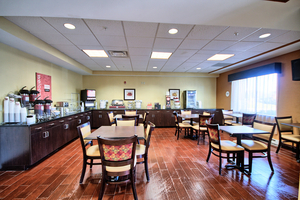 Comfort Suites Lewisburg Breakfast Area